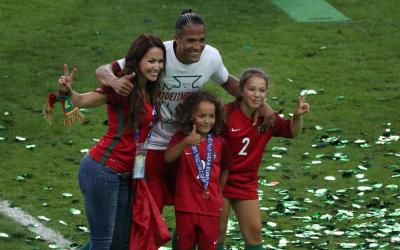 Defender of the Portuguese national team Bruno Alves with his wife Hunt