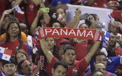 Fans of Panama