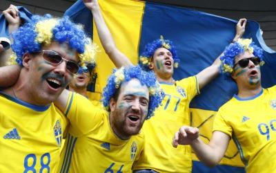 Fans of the national team of Sweden