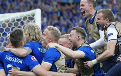Football players of Icelands national team are happy with the goal scored