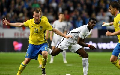 Footballers of the Swedish national team won a strong willed victory