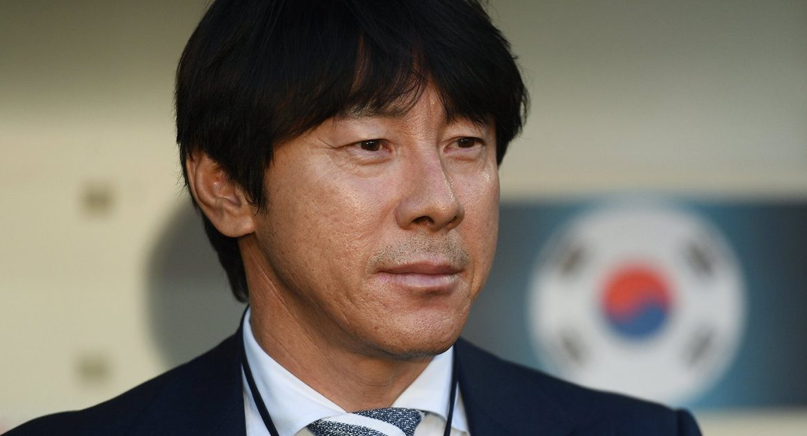 Head coach of South Koreas Sin Tae Yong team